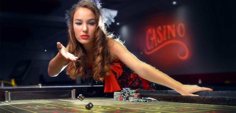Why Play Live Dealer Bitcoin Games At Online Casinos