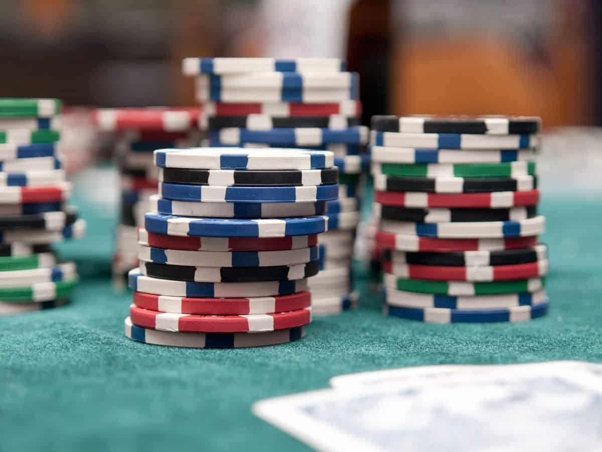 Play Live Dealer Games At Bitcoin Casinos